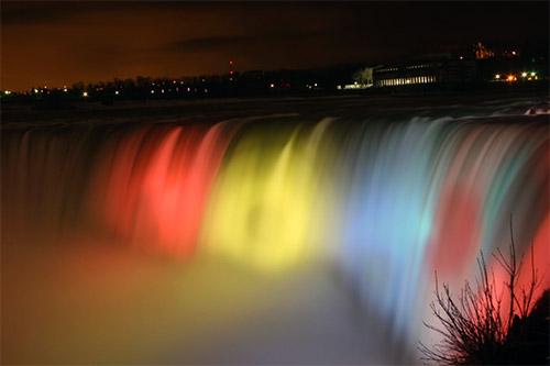 Nachtsicht der Niagara-Fälle
