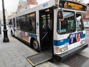 Autobus con rampa per disabili