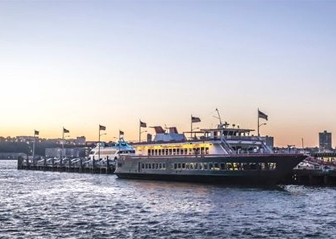 Cena su yatch a new york con vista panoramica su manhattan for Alloggi per studenti new york