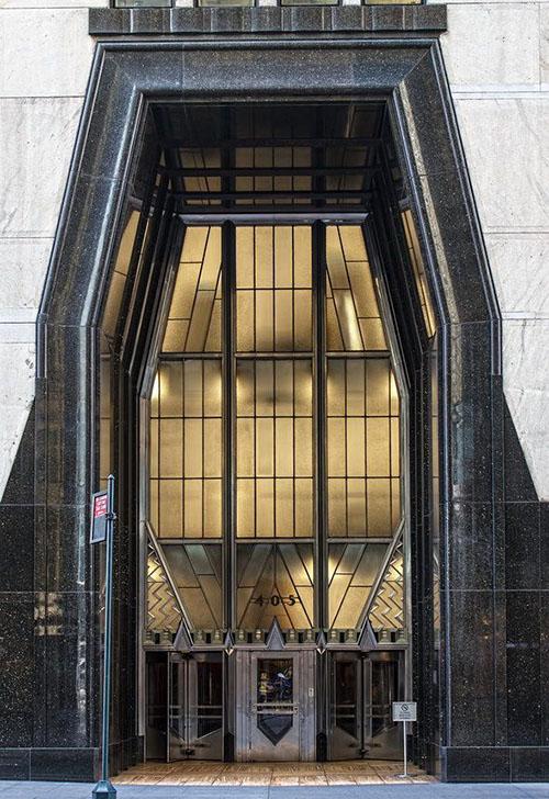 Ingresso esagonale del Chrysler Building