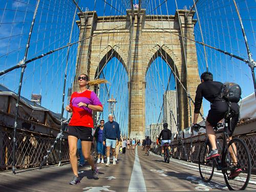 correre sul ponte di brooklyn