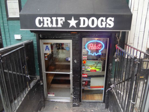 gli hot dog a new york da crif dogs