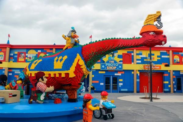 Un'attrazione del parco Legoland di New York