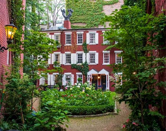 giardino privato a Grove Court - New York