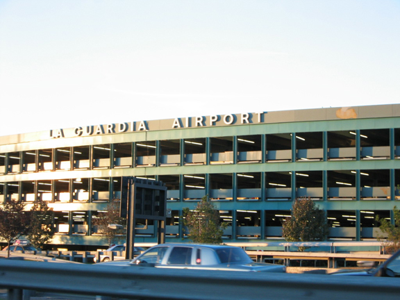 vista frontale la guardia airport ny