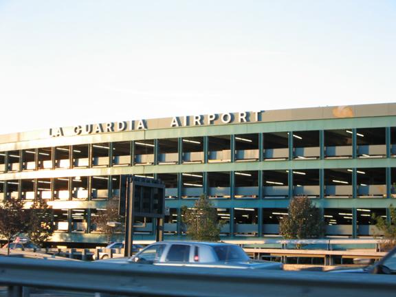 vista frontale la guardia airport ny