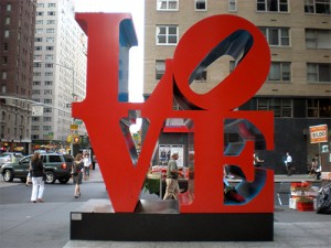 la love sculpture di Robert Indiana