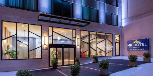 Microtel Inn by Wyndham, pacchetto volo + hotel New York