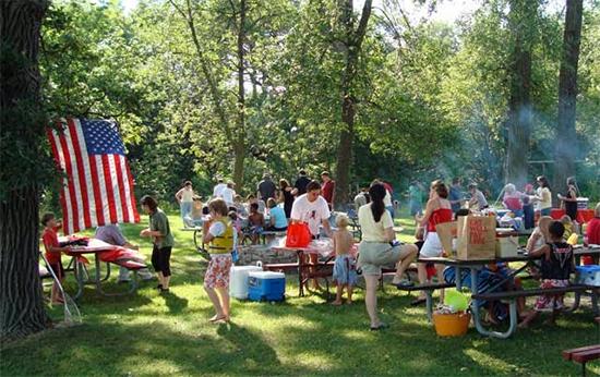picnic al parco per il giorno del memoriale americano