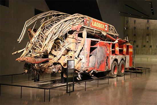 reperti storici originali esposti all'interno del 9/11 Museum di New York