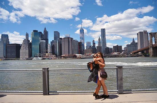 Skyline di New York visto dalle rive di Brooklyn