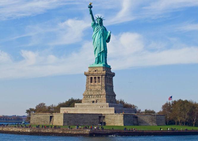 Statua della libert biglietti guida e consigli per la for Alloggi per studenti new york