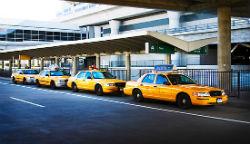 trasferimento con taxi al jfk