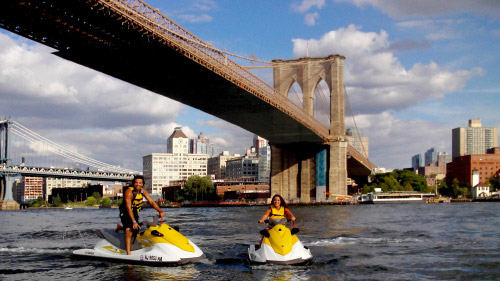 tour in moto d'acqua a new york